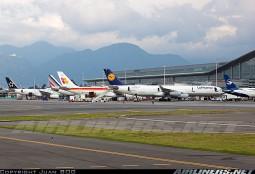 Las europeas a BOG todavía vuelan en cuatrimotores. Muy buena foto de Juan BOG en Airliners