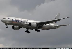 Un B777, de American. Foto de Andrew Hunt en Airliners