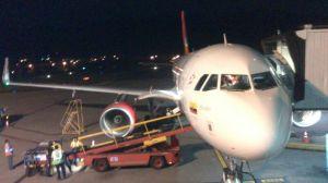 El avión en destino