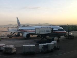 B767 de American preparándose para su vuelo matutino