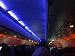 Detalle del mood-lighting 1. Azul y rojo intensos