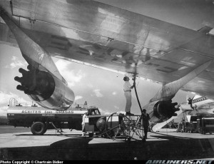 Foto de 1960 de un B707 de Air France en Bogotá. De Chartrain Didier, en Airliners