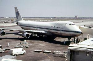 B747-100 de Pan Am en el aeropuerto JFK de Nueva York. Foto de Arthur Tress en Wikipedia