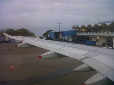El aeropuerto de Santa Marta muy a las 6AM desde un A320 de Avianca