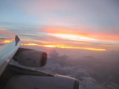 El cielo más encendido en este atardecer. De nuevo, desde el A340-600 de Iberia