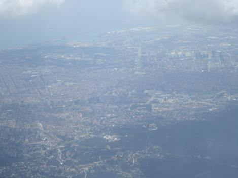 Panorámica de Barcelona. Si se fijan bien, se ve el Camp Nou. Desde un A321 de Iberia