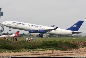 A340-200 de Aerolíneas Argentinas en Sydney. De Plane Spotter