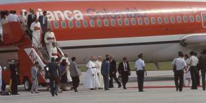Juan Pablo II en B727 de Avianca en 1986. De El Tiempo
